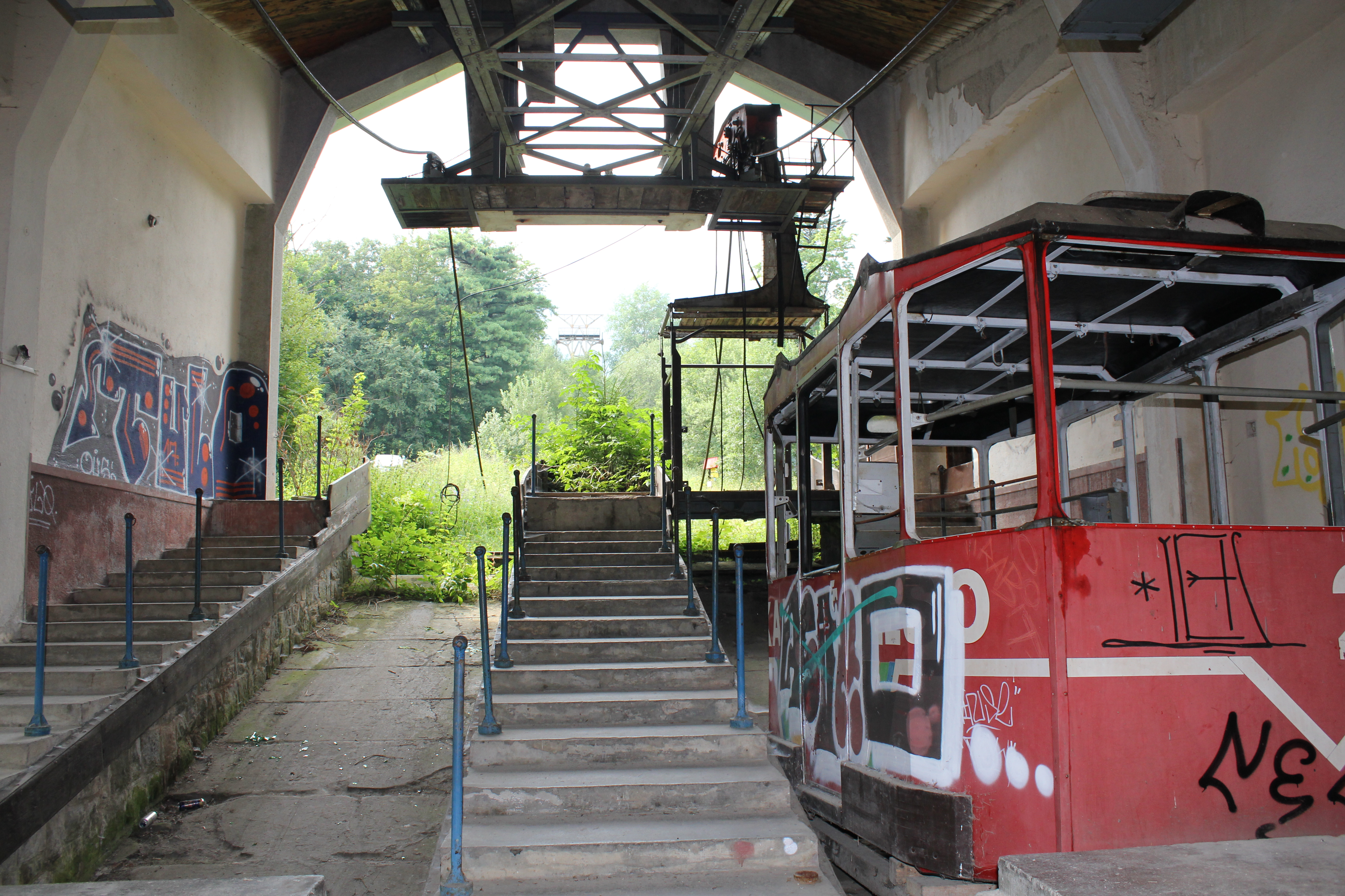 SLOw Tatra lomnica kabelbaan verval gezien (11) - kopie